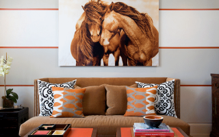 Какую картину повесить в зале над диваном по фэн шуй